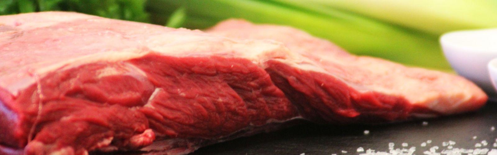 Motivbild der Seite Frischfleisch vom BERGSCHECKENRIND / Kochen
