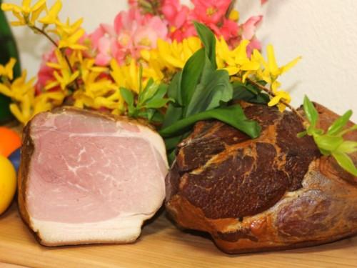 Symbolfoto für Oster-Schulter geselcht gekocht, ganz