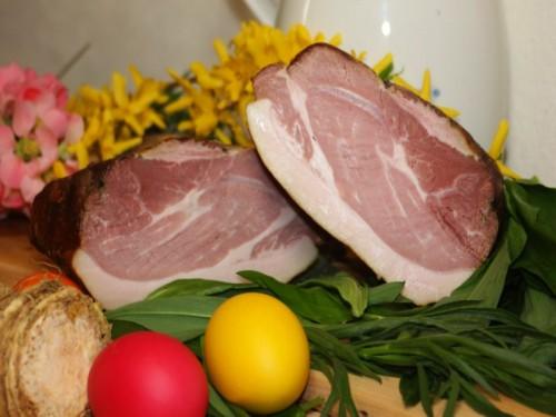 Symbolfoto für Oster-Schluß geselcht gekocht, ganz