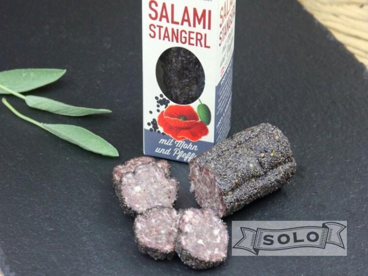 Symbolfoto für Salamistangerl mit Mohn und schwarzem Pfeffer