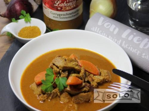 Symbolfoto für Curry-Geschnetzeltes vom Sonnenschwein im Glas