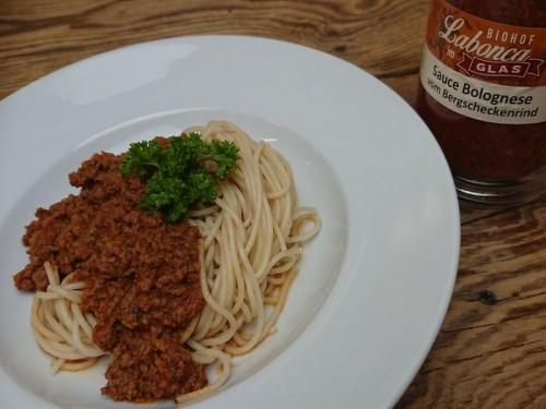 Symbolfoto für Sauce Bolognese vom Bergscheckenrind im Glas